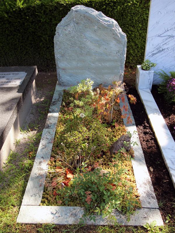 ruwe grafsteen